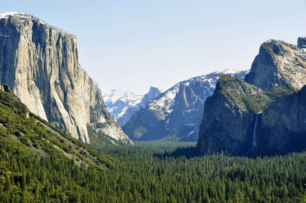 Yosemite, photo by Chensiyuan