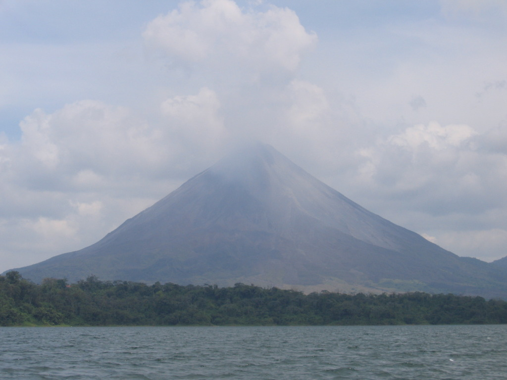 Arenal Volcano, photo by Peter Andersen