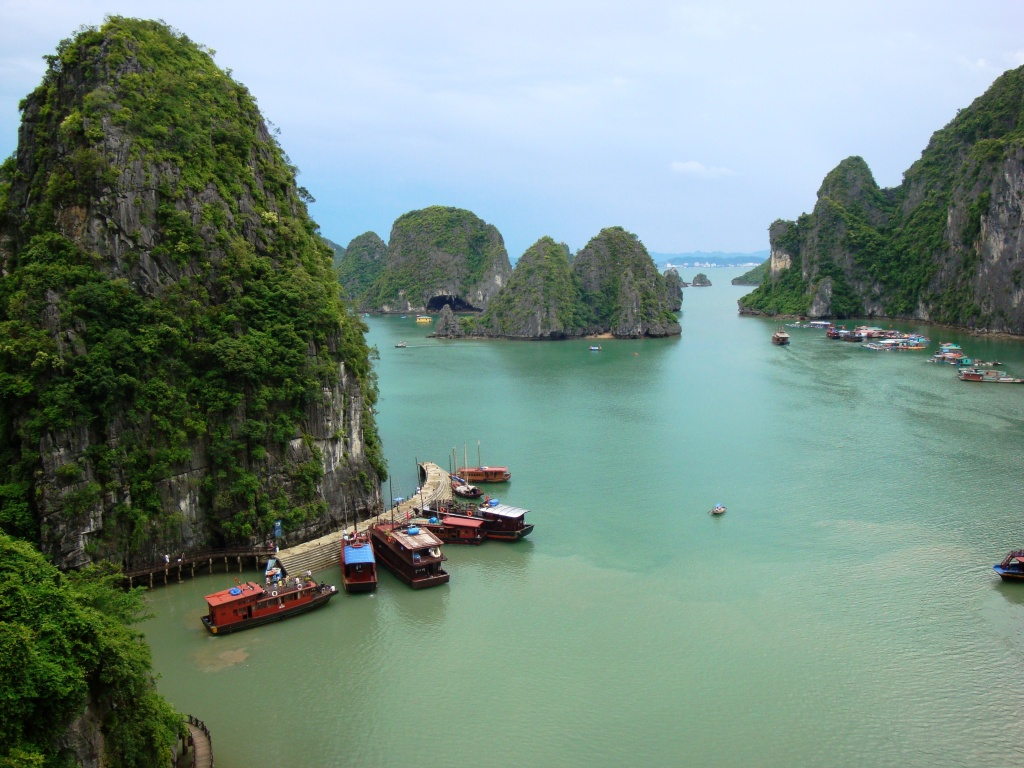 Ha Long Bay, photo by Francesco Paroni Sterbeni