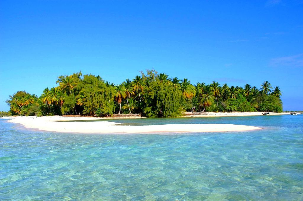 Rangiroa Atoll, photo by DANIEL JULIE