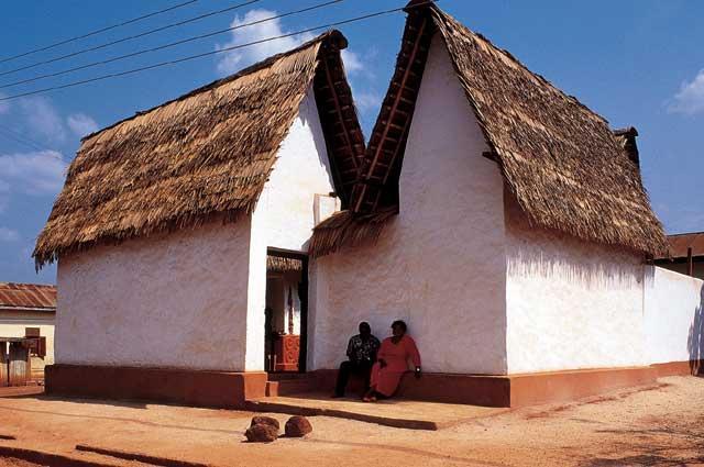 Kumasi (Asante Buildings), photo by Wikimedia Commons