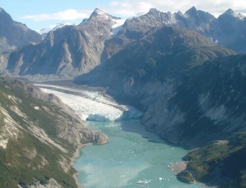 Glacier Bay, photo by Wikimedia Commons