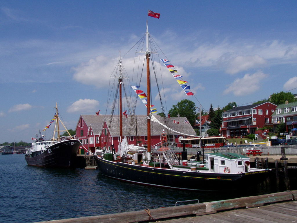 Old Town Lunenburg, photo by Dlanglois